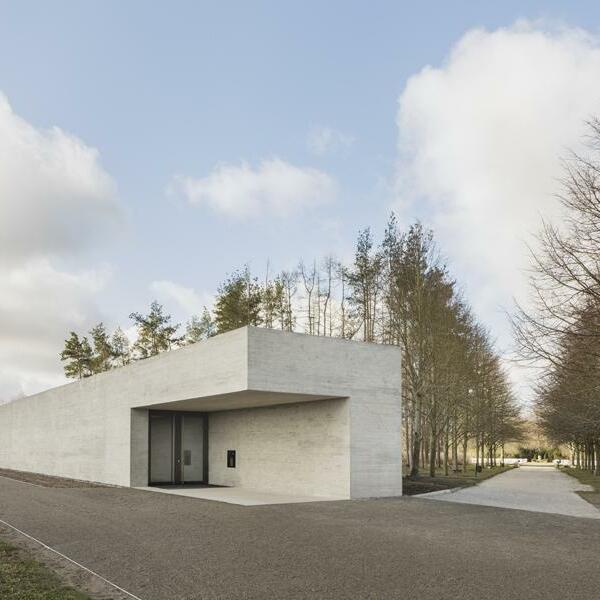 Besucher- und Dokumentationszentrum für die Gedenkstätte Feldscheune Isenschnibbe, Gardelegen