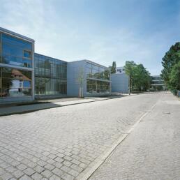 Hochschulcampus: Hörsaal und Seminargebäude der Hochschule Anhalt (FH): Audi Max, Dessau-Roßlau