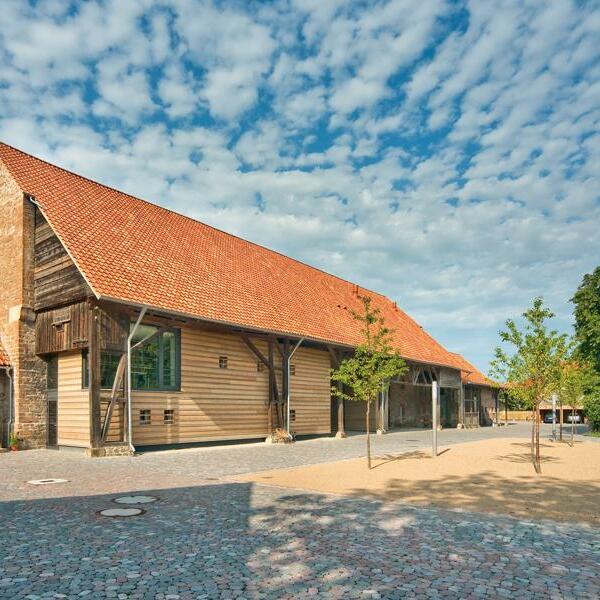 Kloster Drübeck, Umbau der Domänenscheunen, Drübeck