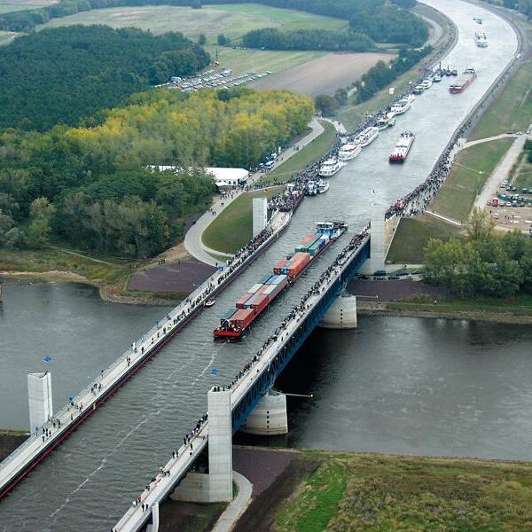 Wasserstraßenkreuz: Trogbrücke, Hohenwarthe